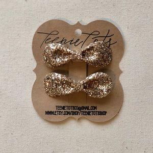 Gold Glitter Piggy Tail bows
